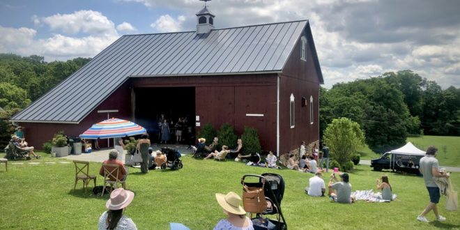 Star Bright Farm's Bluegrass Sunset Event Celebrates Summer With Live Music and Delicious Food